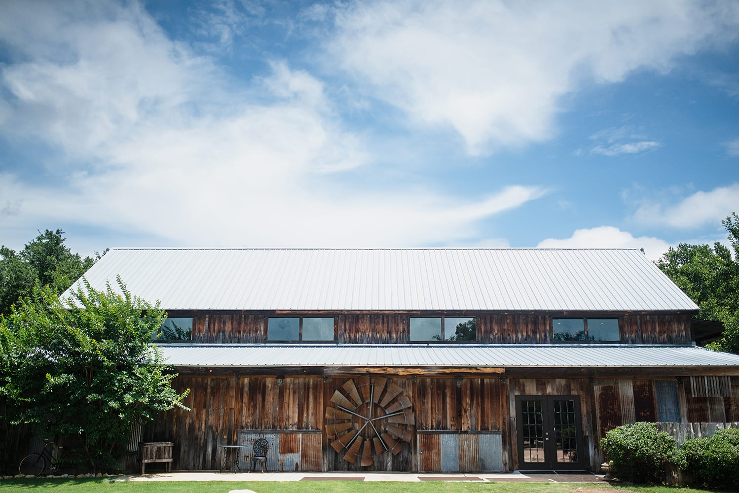 hip-austin-barn-wedding0071
